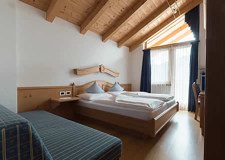 Rooms on the ski slopes of Alta Badia
