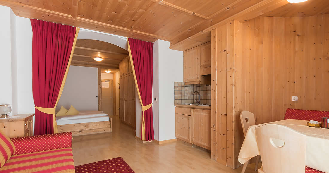 Hotel guest house in Alta Badia with spacious apartments
