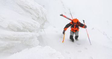 Ski mountaineering in the Mezí valley